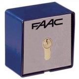 Ключ выключатель Т20 Е, монтаж на стену с одним микровыключателем, без цилиндра замка (необходим 7120xx) FAAC 401012